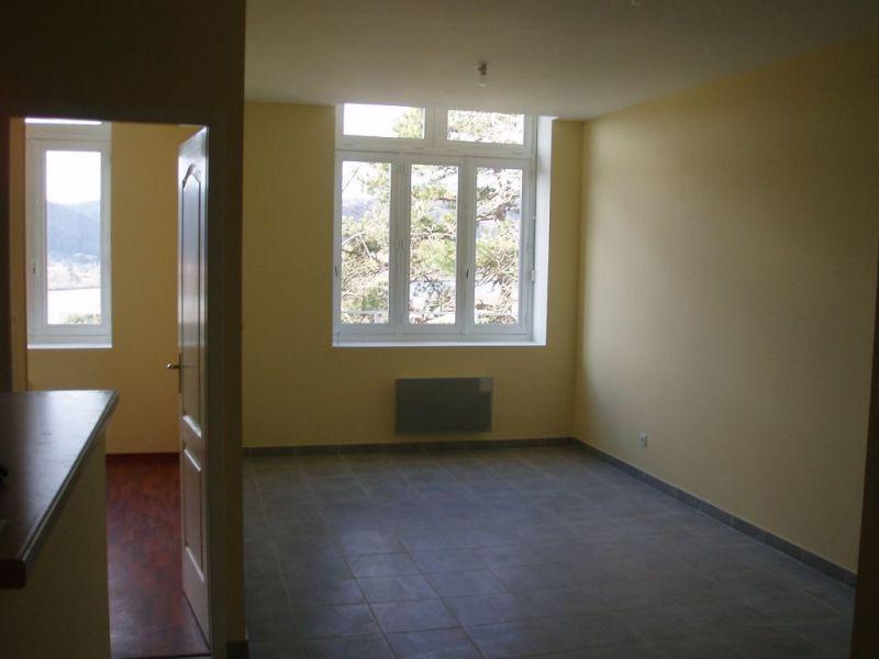 Rental apartment St vallier 415€ CC - Picture 1