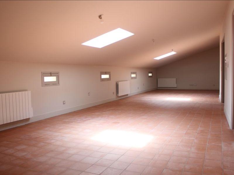 VILLENEUVE LES AVIGNON - 2 pièce(s) - 73 m2