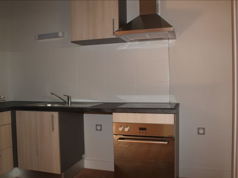 Rental apartment Villeneuve les avignon 564€ CC - Picture 4