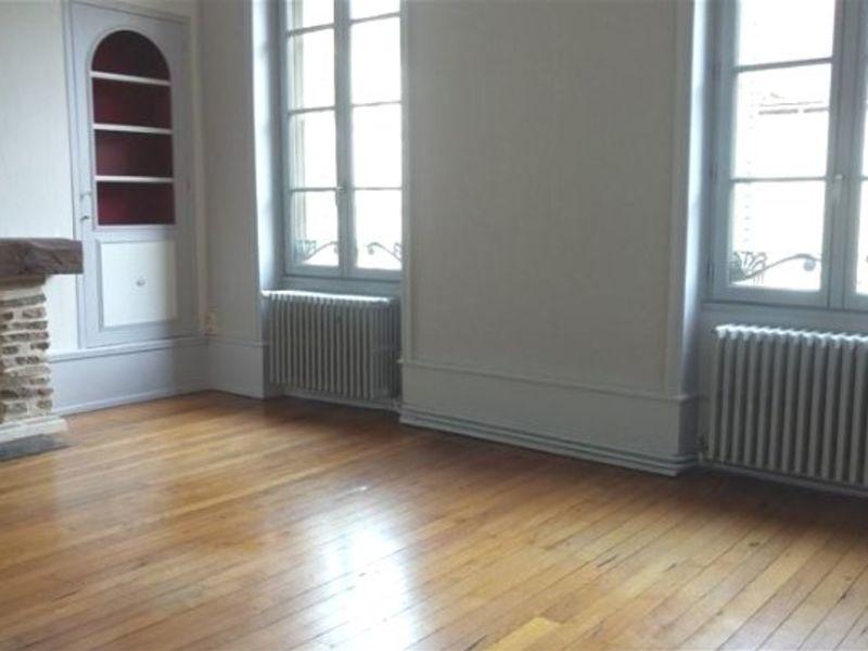 Rental apartment Bourbon l archambault 500€ CC - Picture 1