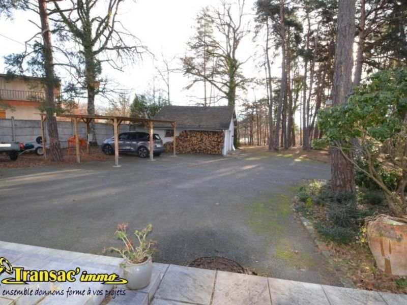 Sale house / villa Puy guillaume 274300€ - Picture 3
