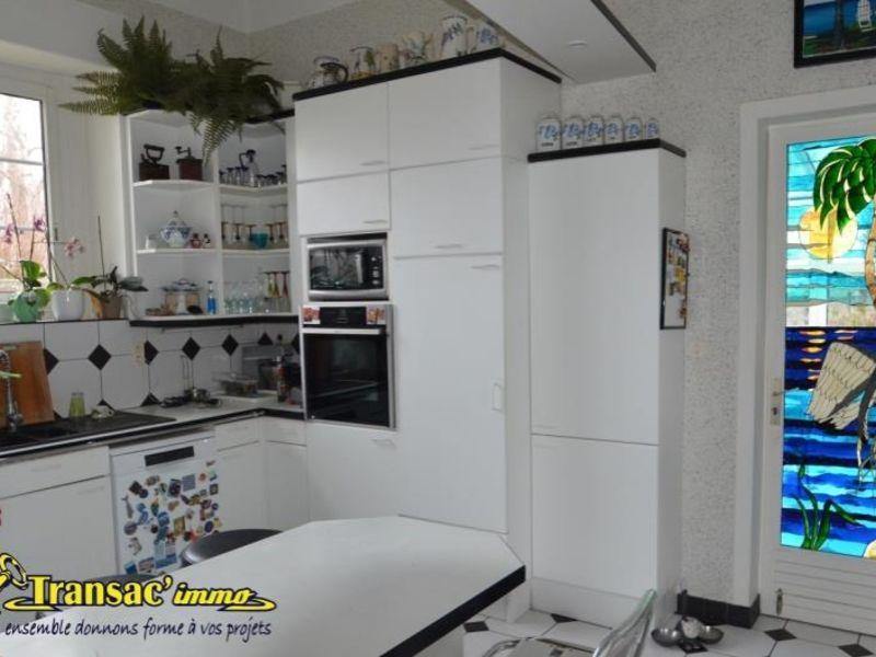 Vente maison / villa Puy guillaume 274300€ - Photo 8