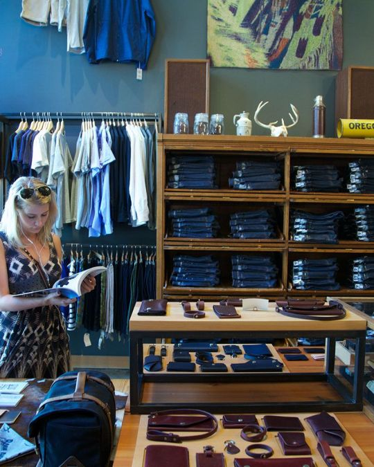タナーグッズでポートランド・ローカルらしい商品を探す。