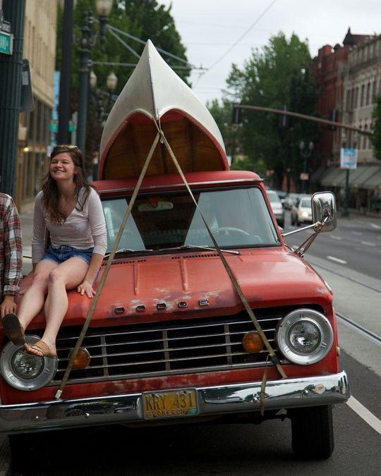 車にボートをのせてクルージング。