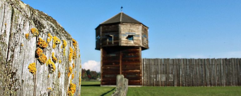 A wooden lookout tower at Fort Vancouver