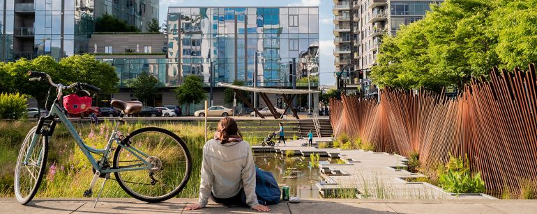 Tanner Springs Park in Portland\'s Pearl District