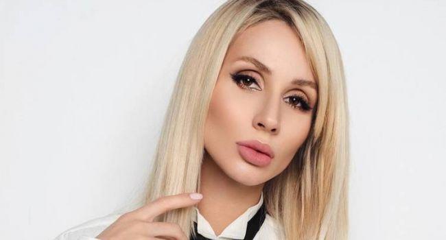 «Вы безумно красивая женщина»: Светлана Лобода сменила прическу во время карантина и похвасталась огромной грудью на камеру