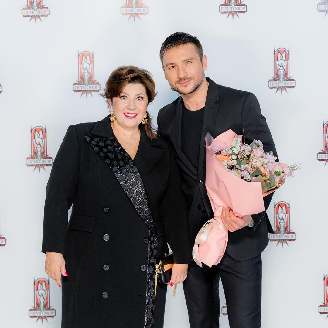 Маму Сергея Лазарева преобразили в программе «Модный приговор»