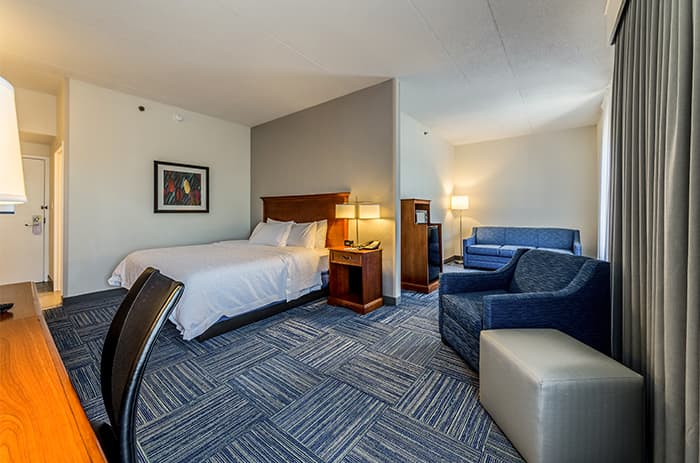 King Efficiency Suite in Allentown Park Hotel Ascend Collection by Choice Hotels