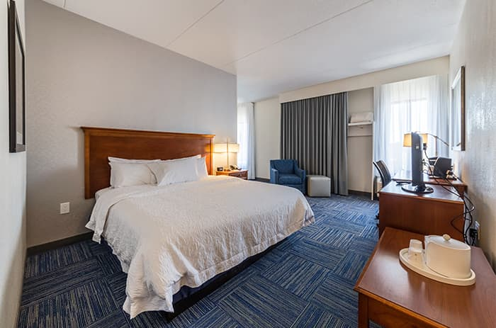 King Standard Room at Allentown Park Hotel Ascend Collection by Choice Hotels