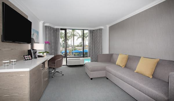 King Suite at Crowne Plaza Costa Mesa OC