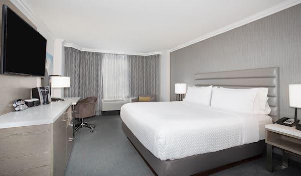 King Guestroom at Crowne Plaza Costa Mesa OC