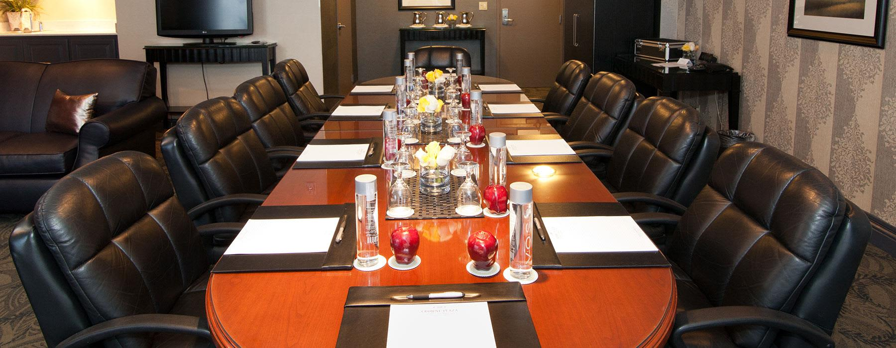 Complmentary Business Center at Crowne Plaza Costa Mesa OC