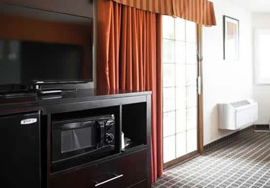 King / Double Queen Suite - Hotel Solares Riverside Avenue Santa Cruz California