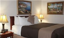 O'Cairns Inn & Suites - One Queen Bed Guest Room