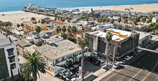 Santa Monica Hotel Close to Route 66