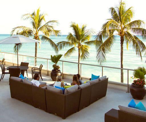 Outrigger Reef Waikiki Beach Resort Beach Resort In Honolulu