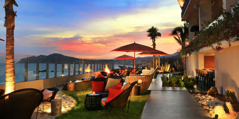 Miramar Bar of Grand Velas Los Cabos