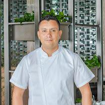 Chef Carlos Rayas - Velas 10