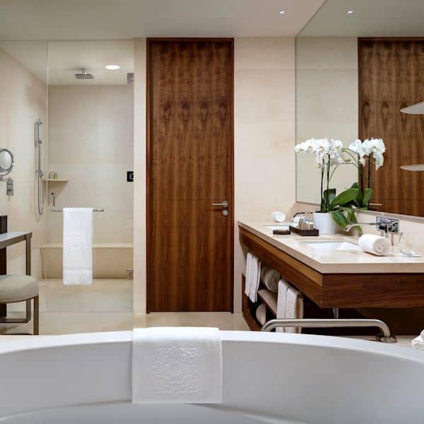 Suite Ambassador Bath Ammenities