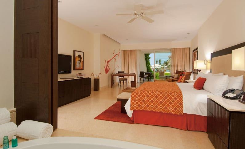 king-ocean-view-the-ambassador-experience