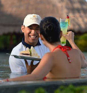 Pool y Beach Concierge