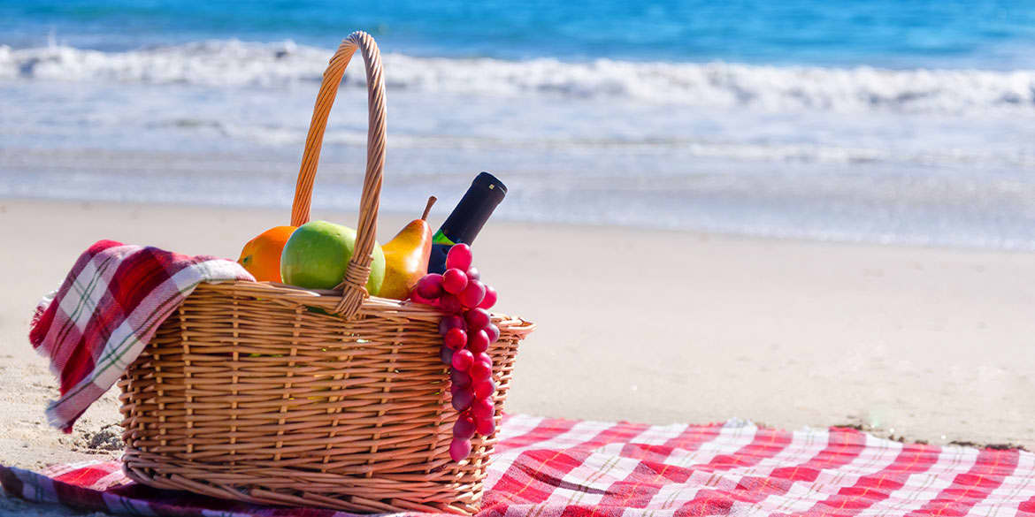 Enjoy Seaside Picnic in Grand Velas Riviera Maya
