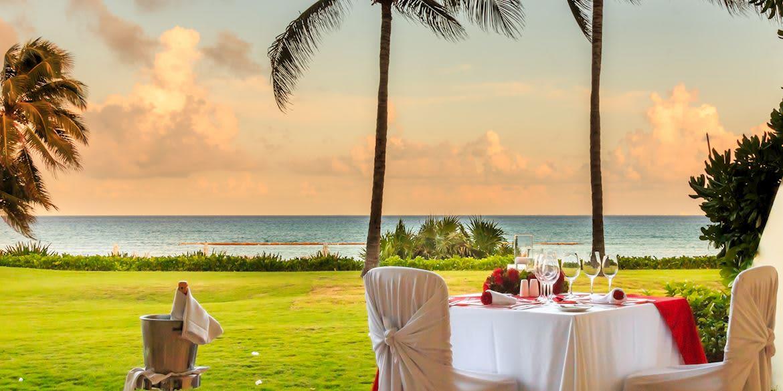 Have a Romantic Dinner at Riviera Maya Resort