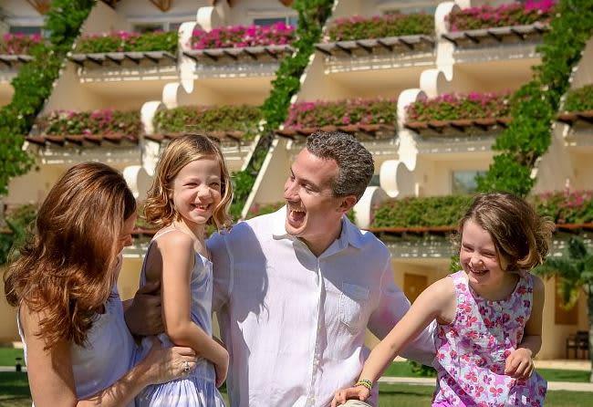 Experiencia Ambassador - Diversión familiar Todo Incluido de Lujo