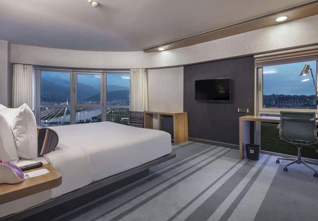 Muhteşem Uludağ manzarasının yanına bir de konforlu yataklarımız eklenince huzur kaçınılmaz oluyor.