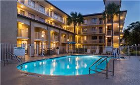 Best Western International Drive, Florida - Pool Night View