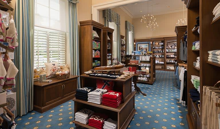 Cooperstown Getaway Hotel, New York Otesaga Gift Shop