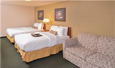 2 Queen Bed With Sofa at Courtesy Inn Eugene Hotel Oregon