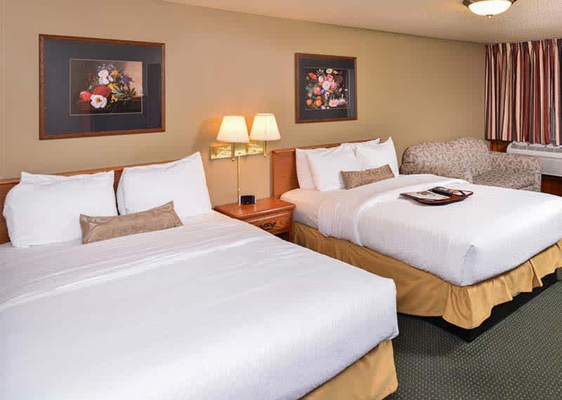 Queen Double Room at Courtesy Inn Eugene, Oregon