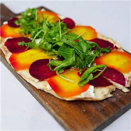 beets-flatbread-at-cucina-venti-restaurant-photo-08