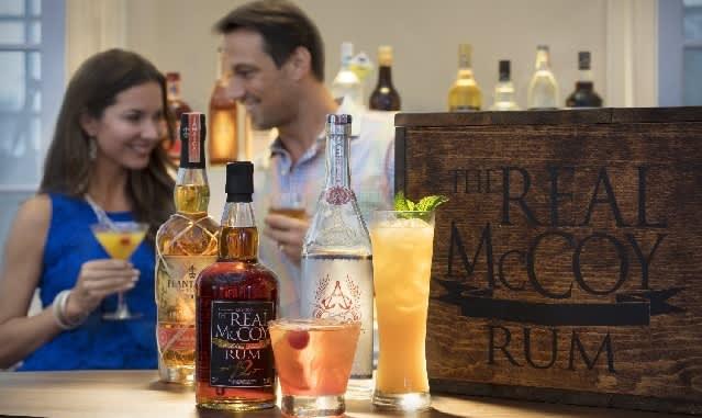 Daytona Beach Happy Hour Specials: Margaritas, Rum Flights, & Pub Bites