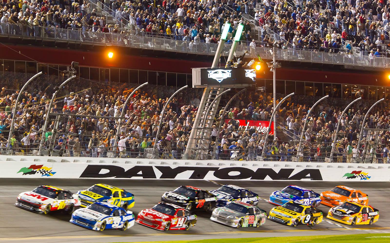 Daytona 500 Special Rates at Florida Resort