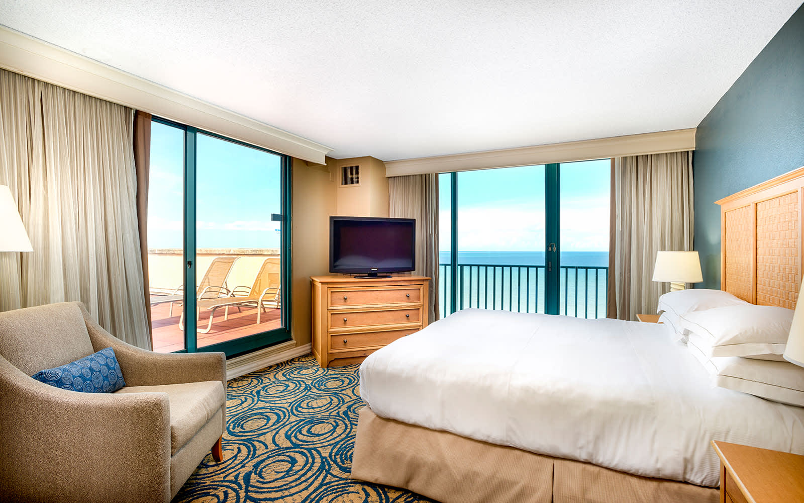 Suites of Hilton Daytona Beach Oceanfront Resort