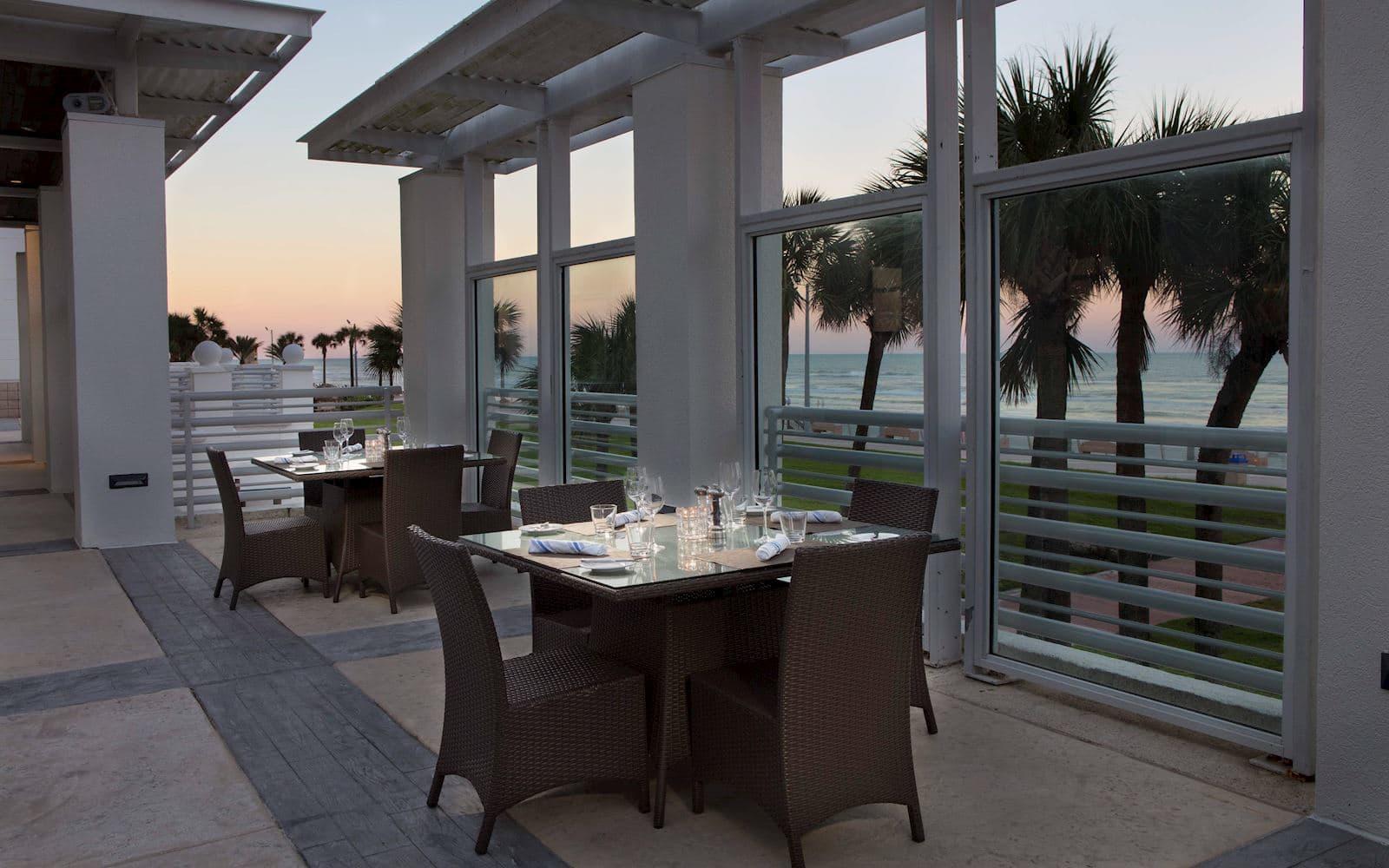Doc Bales' Grill of Hilton Daytona Beach Oceanfront Resort