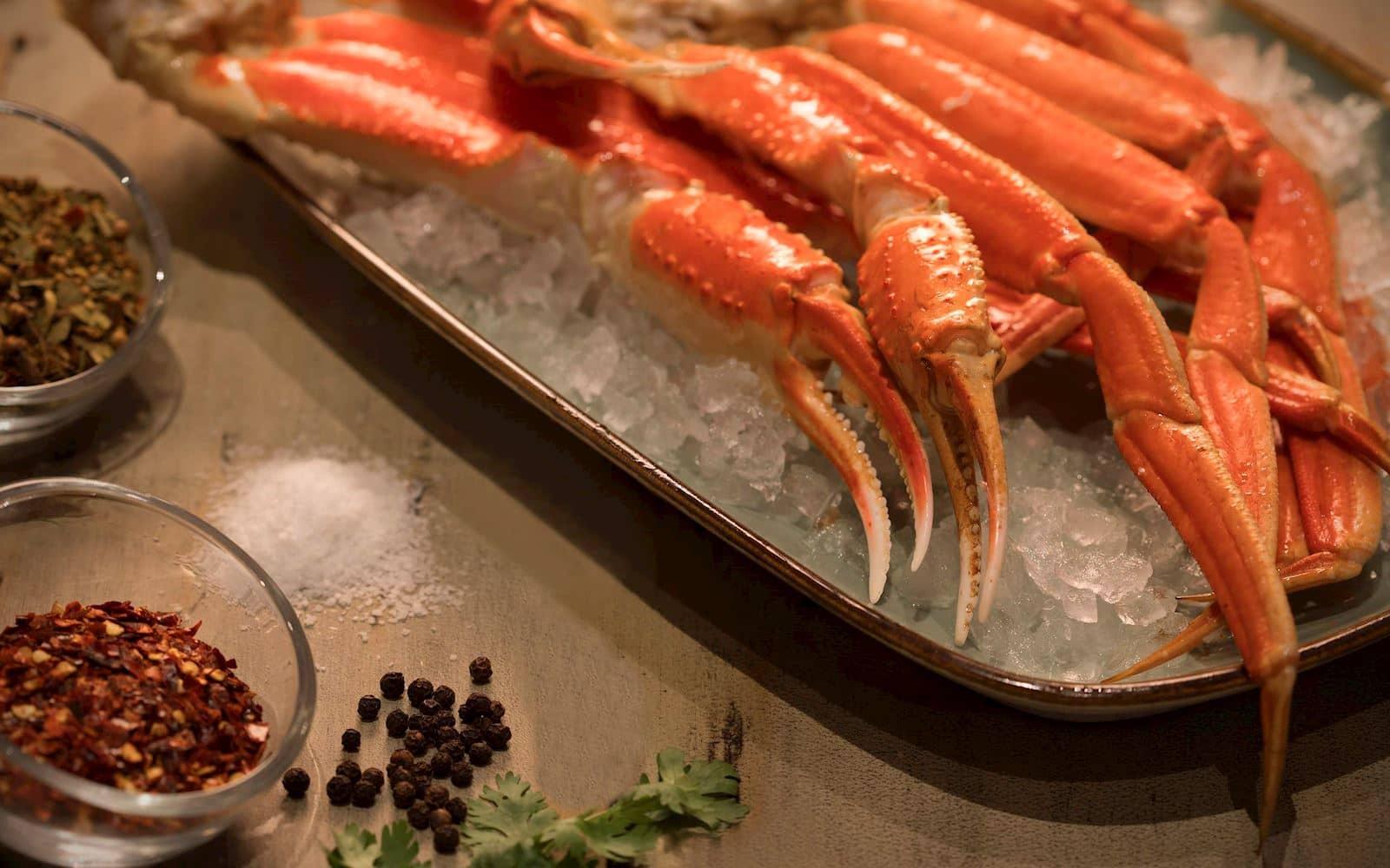 Dining at Hilton Daytona Beach Oceanfront Resort