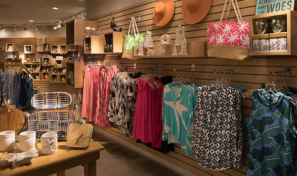 Beach Emporium Gift Shop at Hilton Daytona Beach Oceanfront Resort
