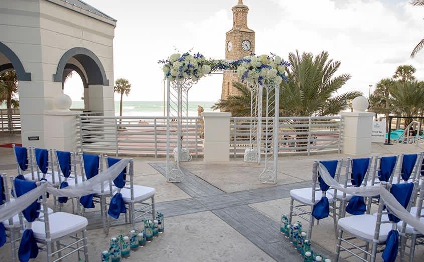 outdoor-wedding-hilton-daytona-beach-resort-ocean