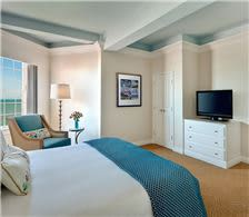 Luxury Junior King Suite - The Don CeSar Hotel - Luxury Junior King Suite