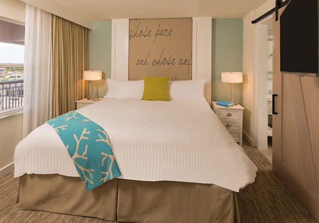 Luxury Queen Suite with Roll-in Shower in Beach House Suites