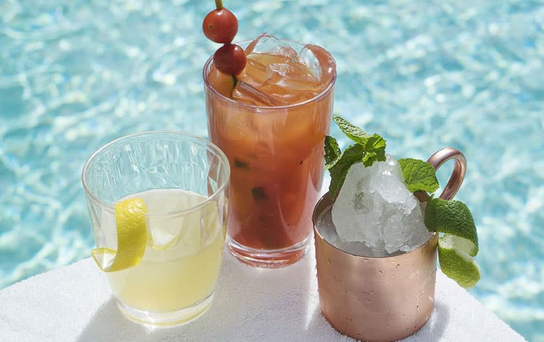 Enjoy Refreshing Cocktails in The Beachcomber Bar & Grill