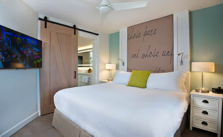 Deluxe King Suite at Beach House Suites, St. Pete Beach