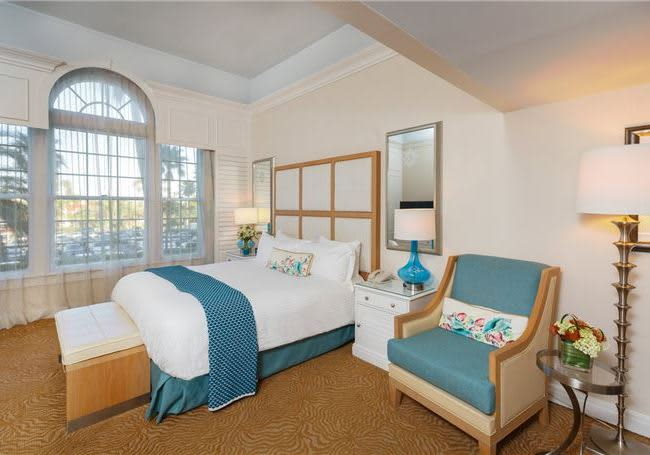One Bedroom Gulf View King Suite The Don Cesar Hotel Florida
