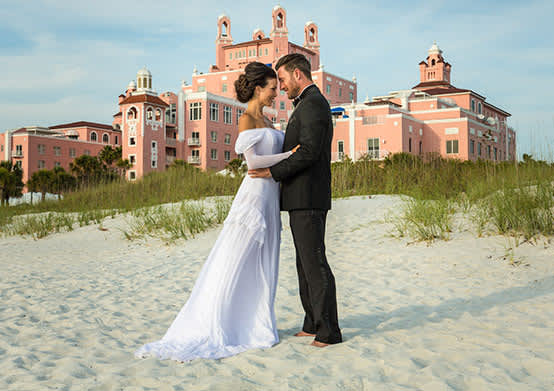 Have your Destination Weddings in front of the Beach of The Don CeSar Hotel