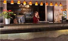 Grand Canyon Plaza Hotel - Front Desk