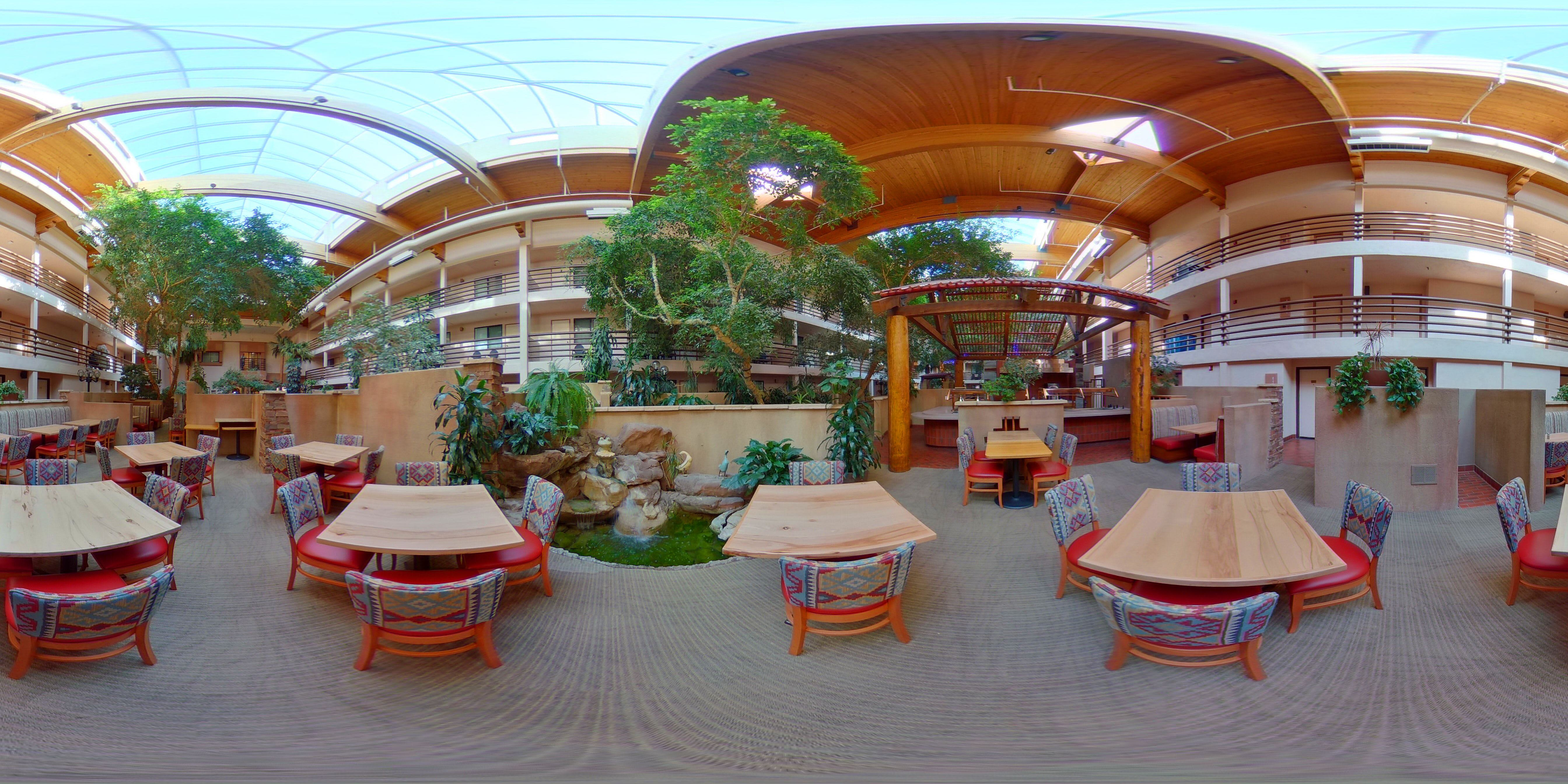Atrium Restaurant Dining
